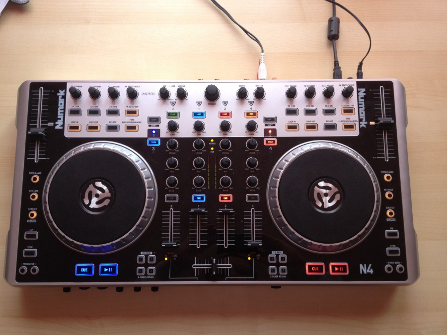 Numark N4 ON with Serato overlay