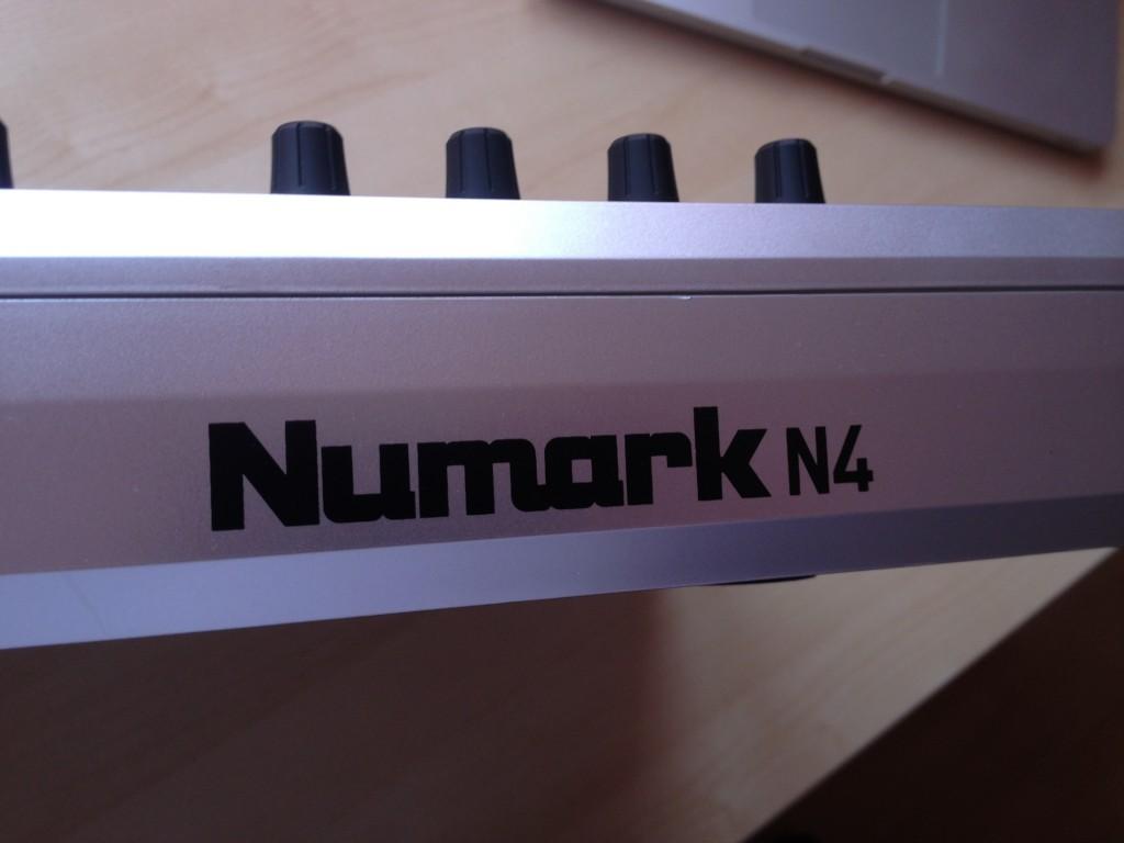 Numark N4