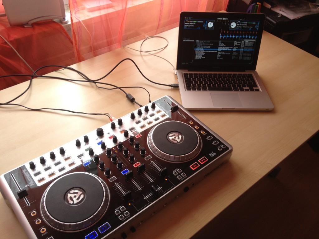 Numark N4 and MacBook Pro